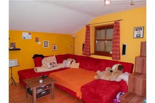 2 Zimmer Wohnung Seeham zu vermieten