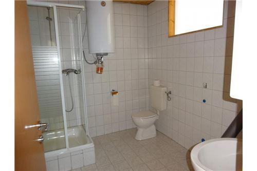Büro mt WC und Dusche OG