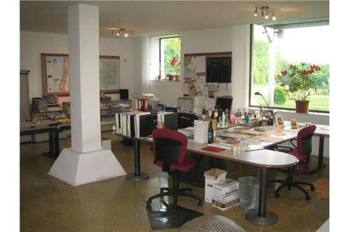 RE/MAX P&I Zurndorf loftartiges  Büro