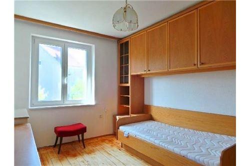 Schlafzimmer 1, Mietwohnung Attnang-Puchheim