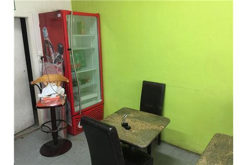 Gästeraum + Eiskasten Getränke