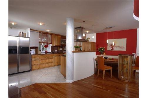 Küche Essplatz_Blick zur Küchez_MG_1482_1