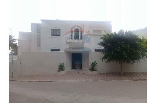 Notre Dame, Tunis - Location - 3,400 TND