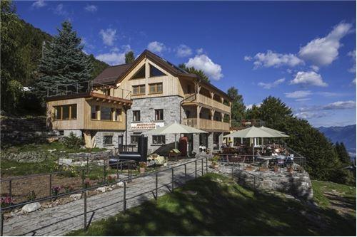 Kleinhotel mit Restaurant nahe der Sesselliftstation Cimetta