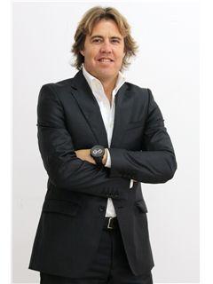 Director(a) de Agência - Luís Matias - RE/MAX - ConviCtus