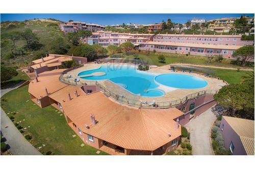 Zonas de lazer, piscinas, jardins