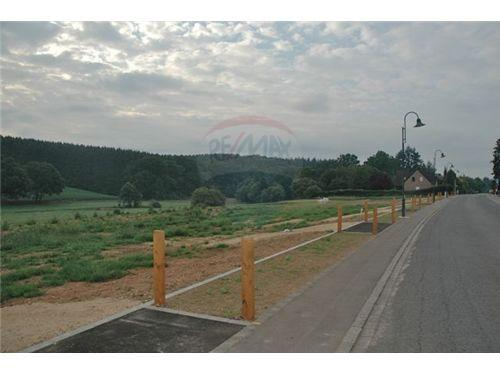RE/MAX Premium, terrain à bâtir à Colpach-Haut pour maison isolée