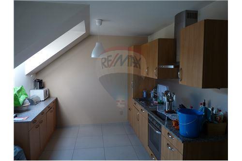 RE/MAX Premium, spécialiste en immobilier, vous propose un magnifique appartement à louer à Oberfeulen.