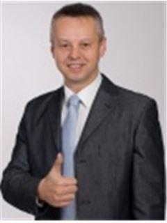 Ladislav Buchta - RE/MAX Consult