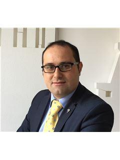Consulente Immobiliare - Antonino Antonuccio - RE/MAX Quattropareti