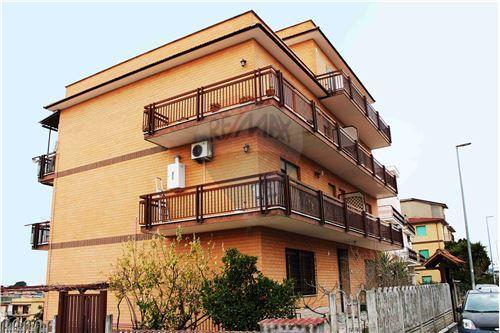 Case e immobili in vendita o in affitto a roma rm italia for Affitto uffici roma piramide