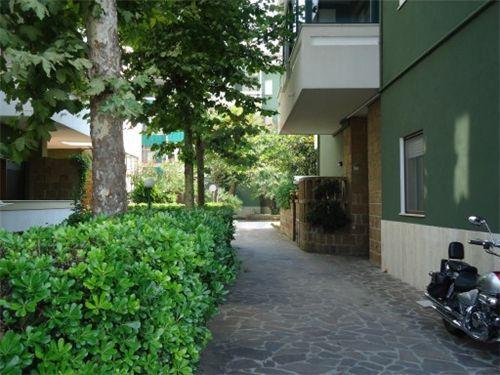 ingresso lato Via dei Frentani