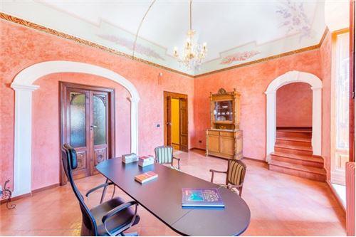 Bari, BA - In vendita - 600.000 €