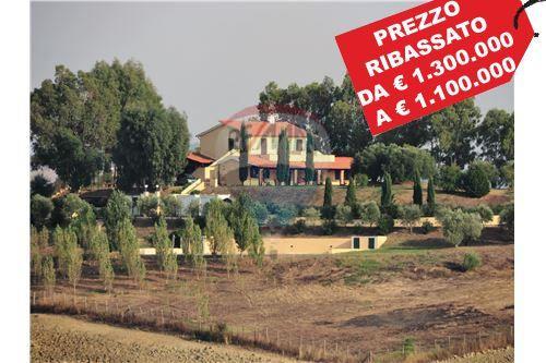 Montalto di Castro, VT - In vendita - 1.100.000 €