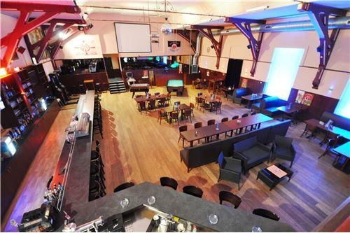 großer Saal im Bistro_Ansicht 1