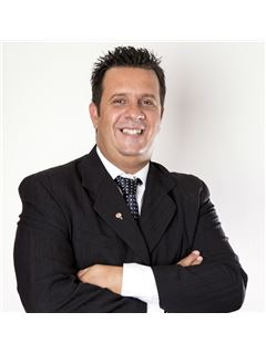 Fabian Ares - RE/MAX Amazing