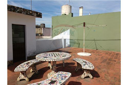 Casa venta villa raffo gran buenos aires zona oeste for Casa minimalista zona oeste