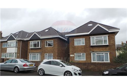 Poole, Dorset - For Sale - £ 180,000