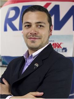 Johan Stefan Marulanda Bernal - RE/MAX Elite