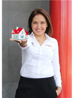 Tatiana Prieto Lopez - RE/MAX Top Inmobiliaria