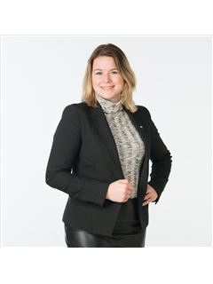 Manon de Boer - RE/MAX Direct