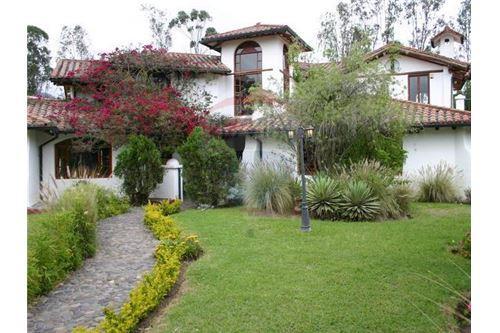 Cumbaya, Pichincha - Quito - For Sale - 580,000 USD
