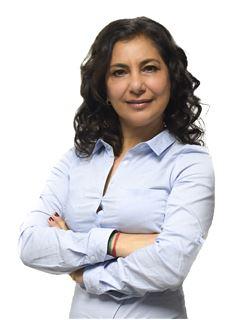 en formación - Janet Sarkissian - RE/MAX Único