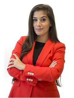 en formación - Valeria Masliah - RE/MAX Único