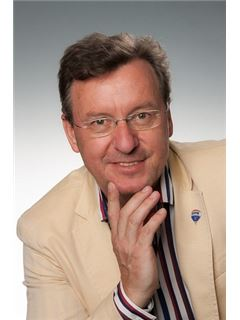 Helmut Tomas - RE/MAX Future
