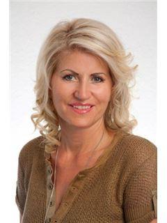 Katharina Klasan - RE/MAX Wien Donaustadt