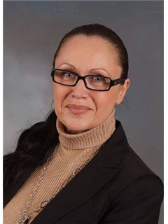 Evelyn Luef - RE/MAX Trust