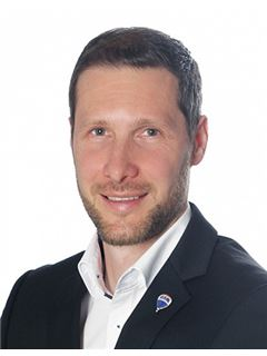 Oliver Graf - RE/MAX First