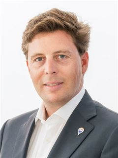 Stefan Reichlin-Meldegg - RE/MAX Solutions