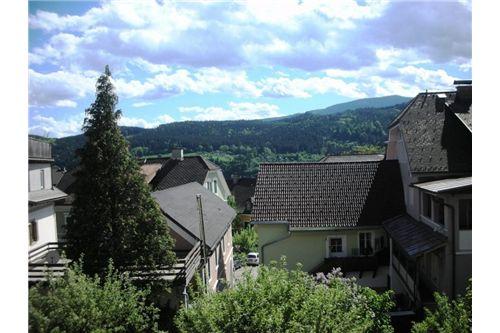 Nockalmhof Gaststube mit Kachelofen