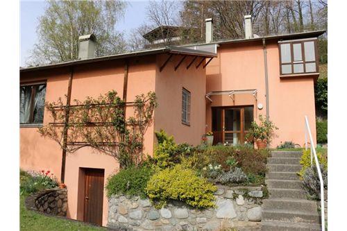 Wohnhaus mit ausgezeichnetem Standort