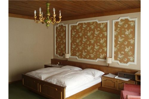04 Hotelzimmer
