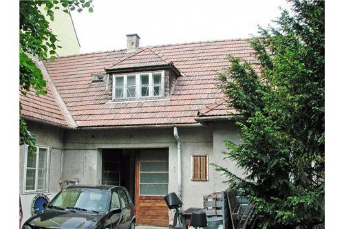 03. 2345 Brunn, Baugrund mit Haus