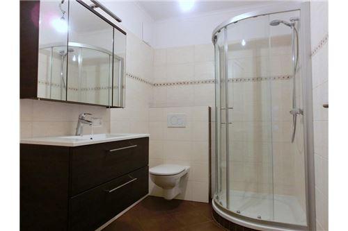 Badezimmer-Variante lt. Baubeschreibung