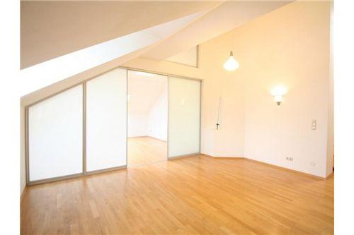 Wohnküche / Zimmer3