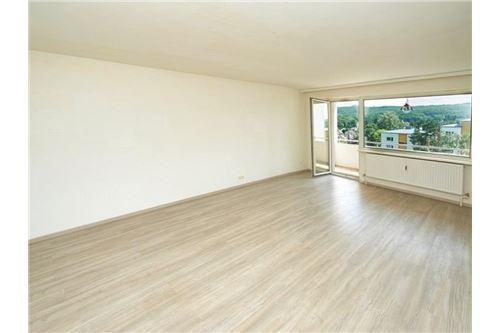 03. Wohnraum mit Loggia