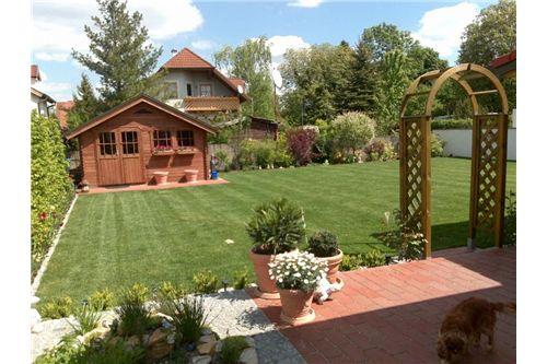 Außenansichten Haus und Garten (1)
