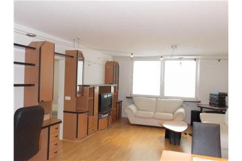 Wohnzimmer mit Küche