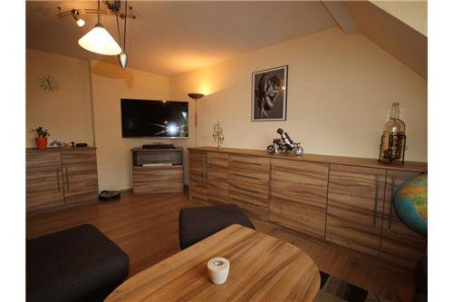 Schwaz-Wohnung-Wohnzimmer