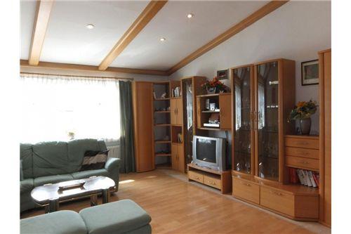 04 Wohnzimmer