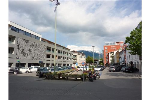 Geschäftsfläche am Südtirolerplatz