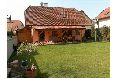Außenansichten Haus und Garten (3)
