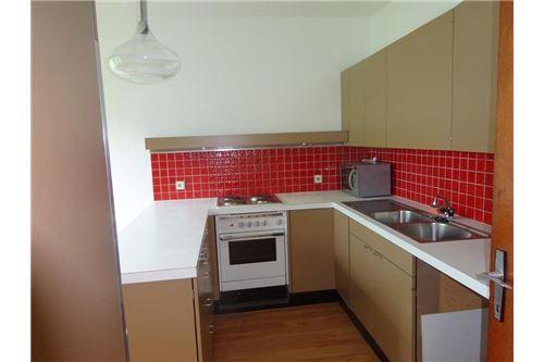 2) Küche