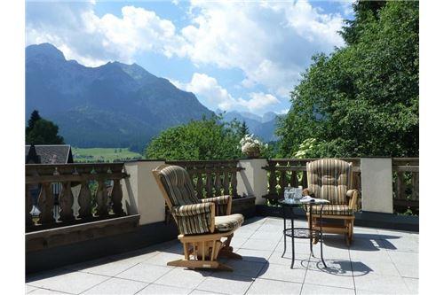 Terrasse: Aussicht Richtung Wolayertal
