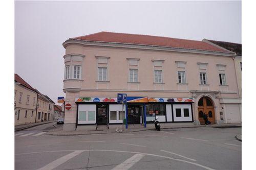 1 Geschäftslokal - Hauptplatz - Bruck/Leitha