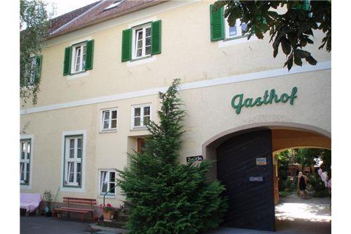 02 Eingang Innenhof